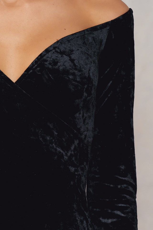 Off Shoulder Velvet Dress Black