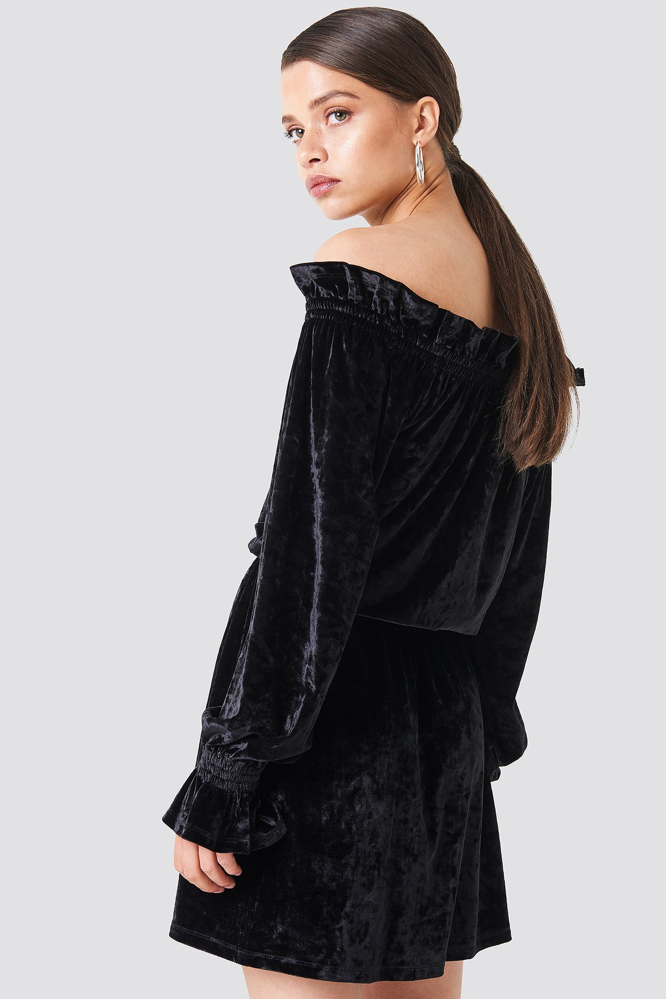Off Shoulder Velvet Smock Dress NA-KD.COM