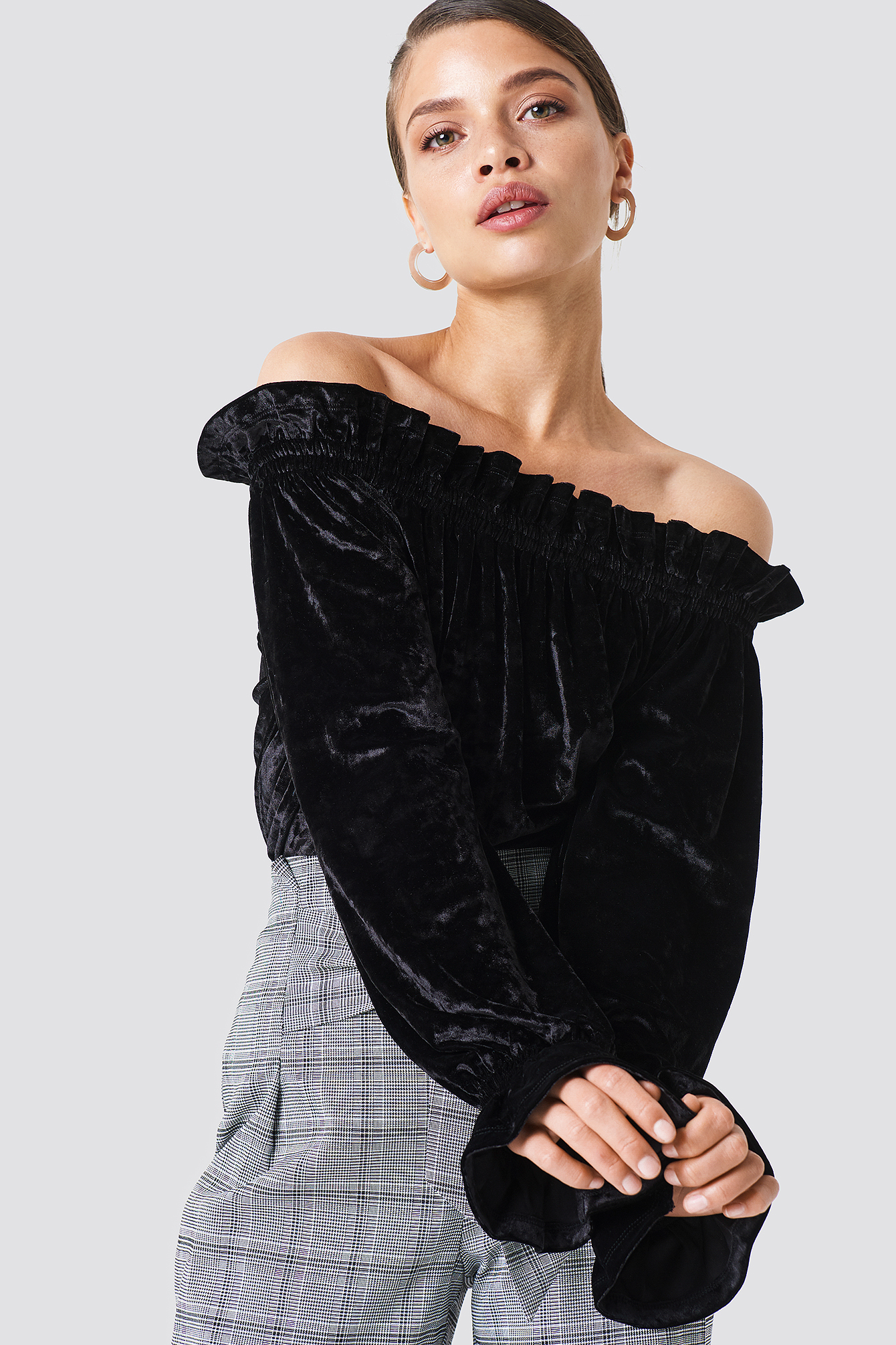 na-kd party -  Off Shoulder Velvet Smock Top - Black
