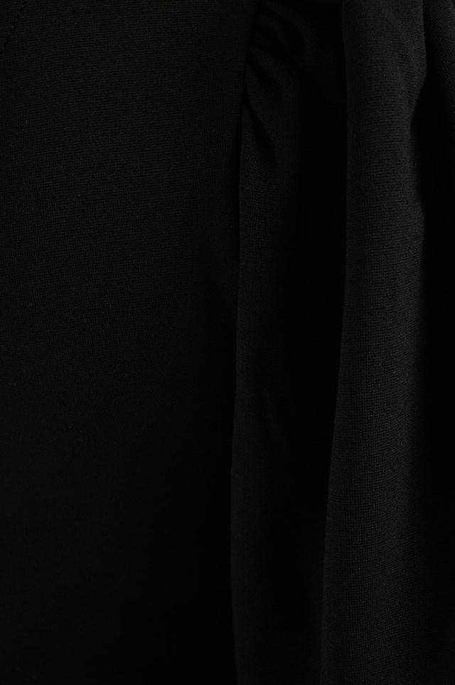 One Puff Sleeve Crop Top Black