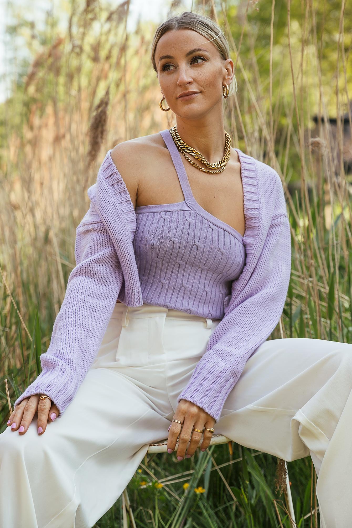 queen of jetlags x na-kd -  Einseitig Schulterfreies Strick-Top - Purple