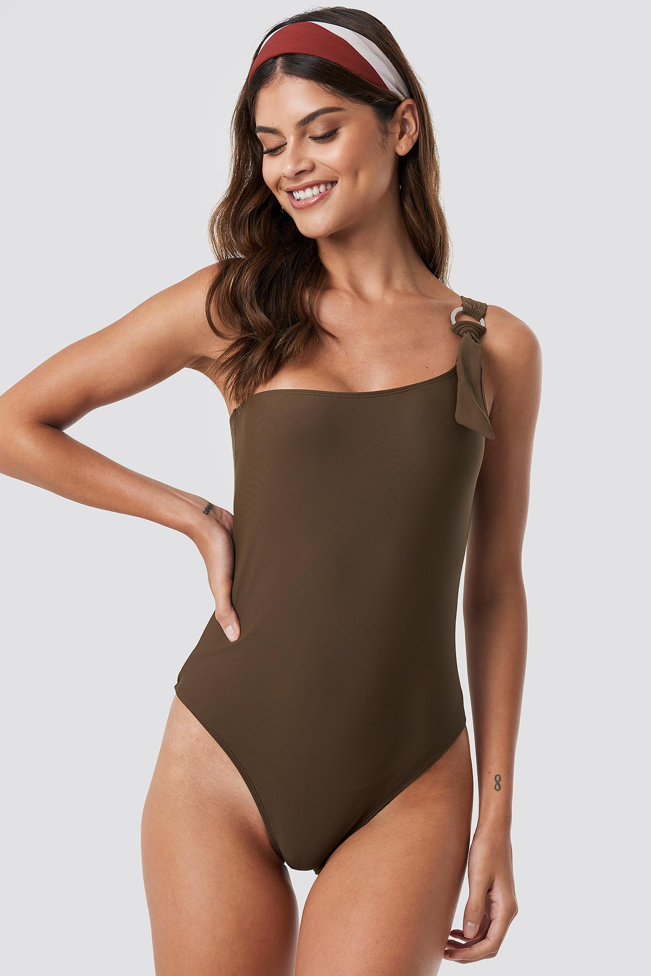 One Shoulder Metal Ring Swimsuit NA-KD.COM