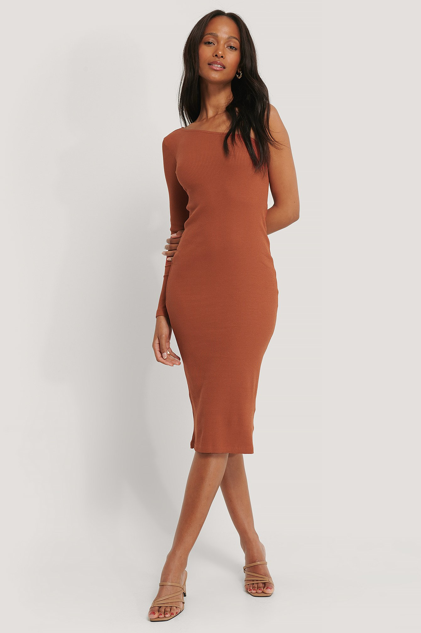 na-kd trend -  One Shoulder Ribbed Midi Dress - Brown