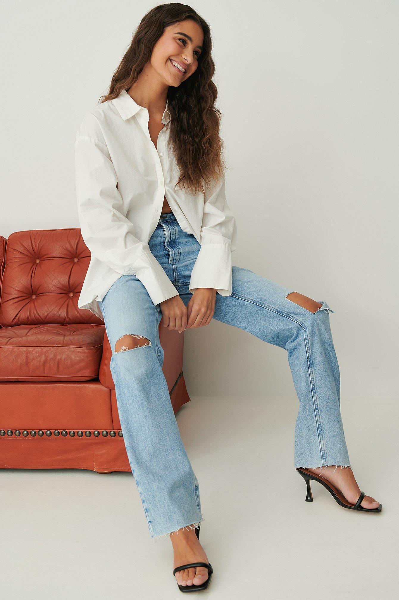 NA-KD Trend Højtaljede Jeans Med Lige Ben Og Åbent Knæ - Blue