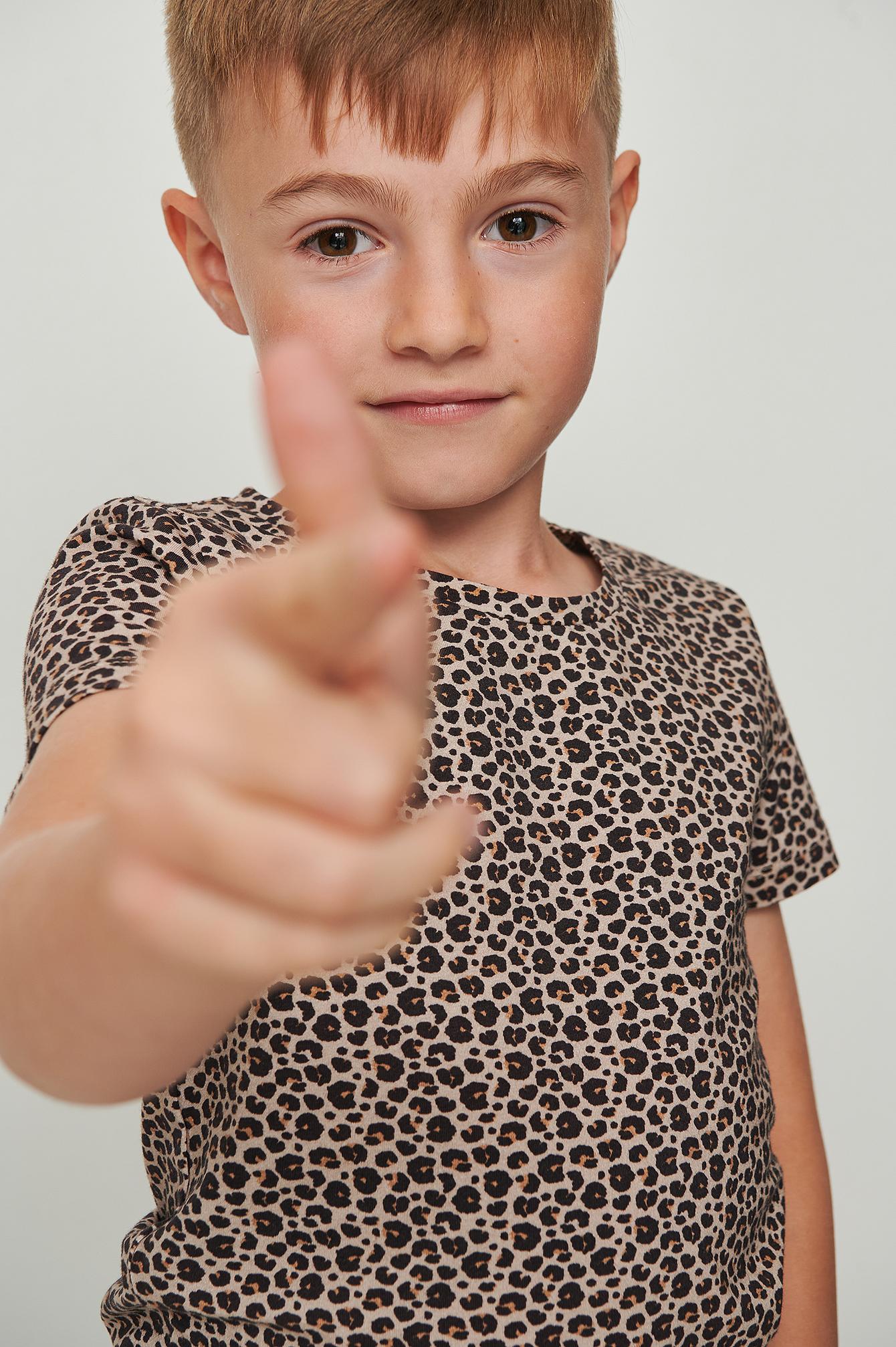 KIDS by NA-KD Orgaaninen t-paita leopardiprintillä - Multicolor