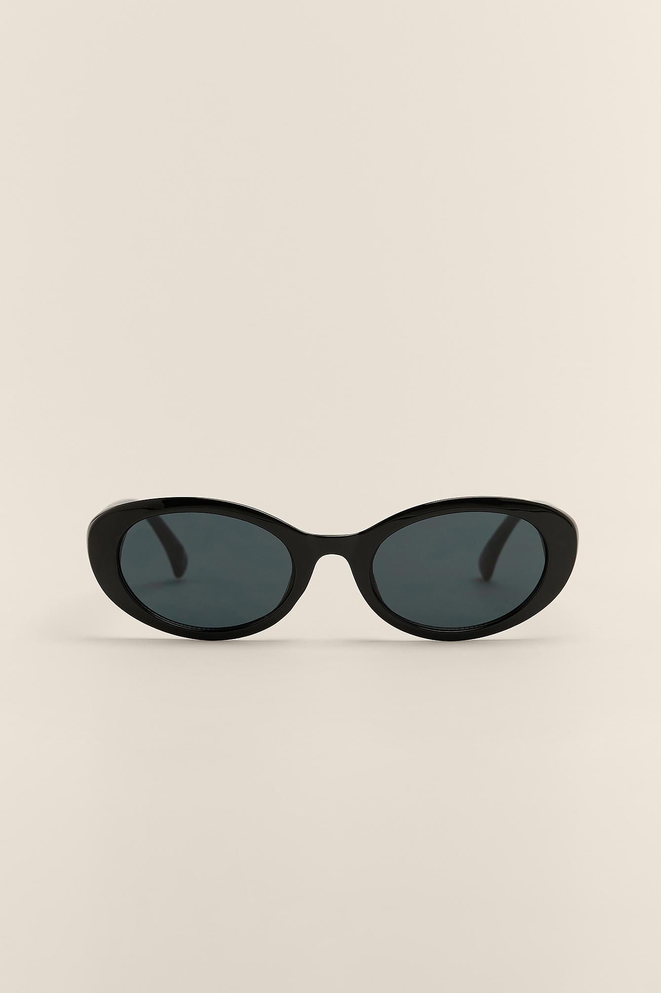 na-kd accessories -  Ovale Cateye-Sonnenbrille - Black