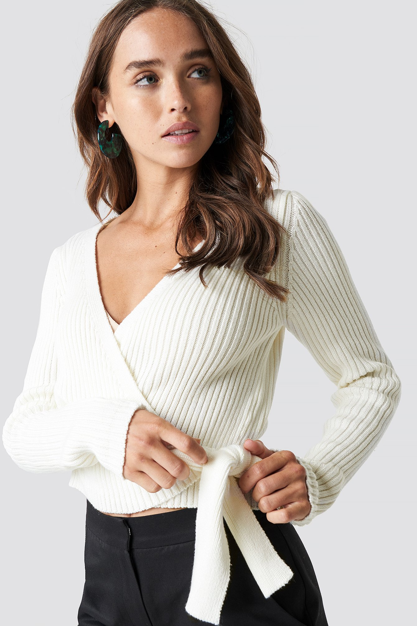 OVERLAP RIBBED KNITTED SWEATER - OFFWHITE