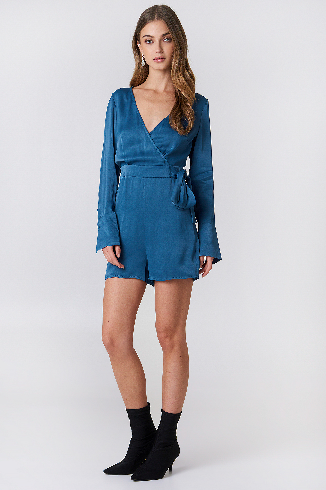 Overlap Satin Playsuit NA-KD.COM