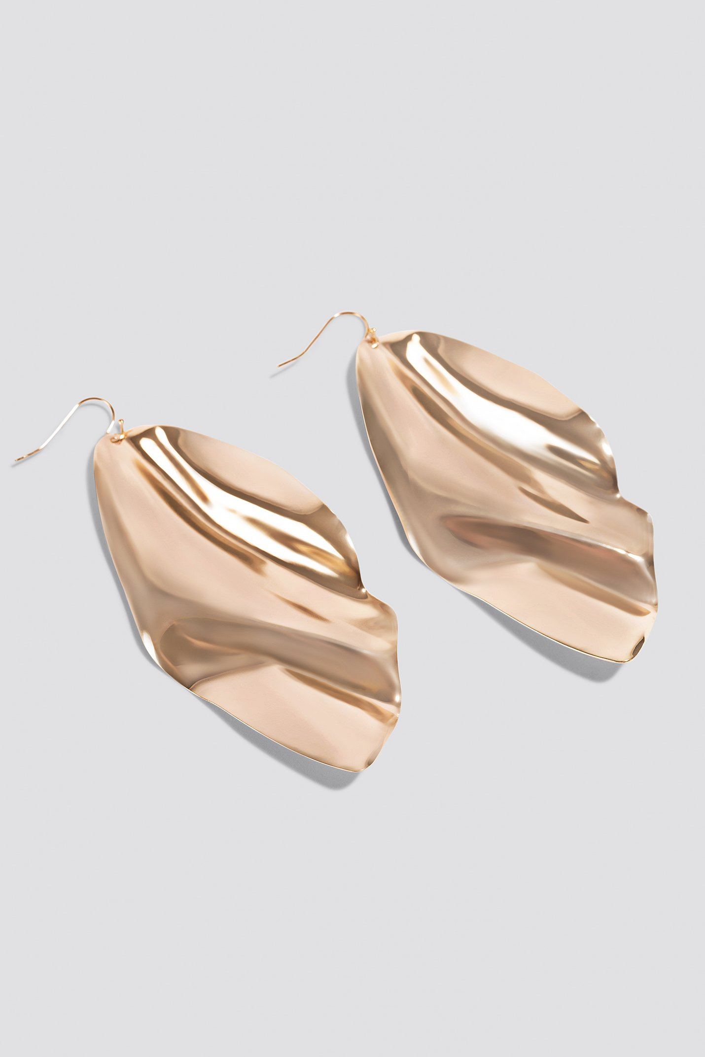 Oversize Curved Leave Earring NA-KD.COM