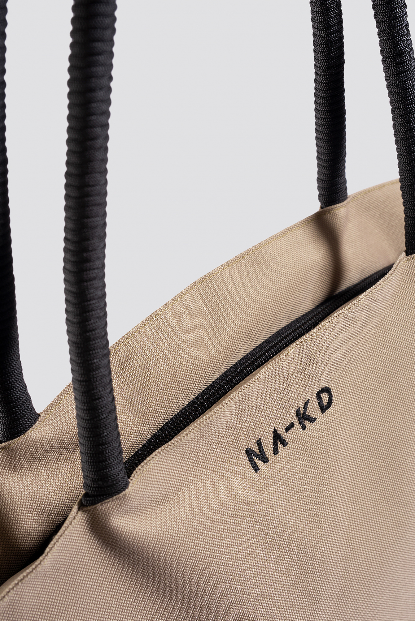Oversize Triangular Bag NA-KD.COM