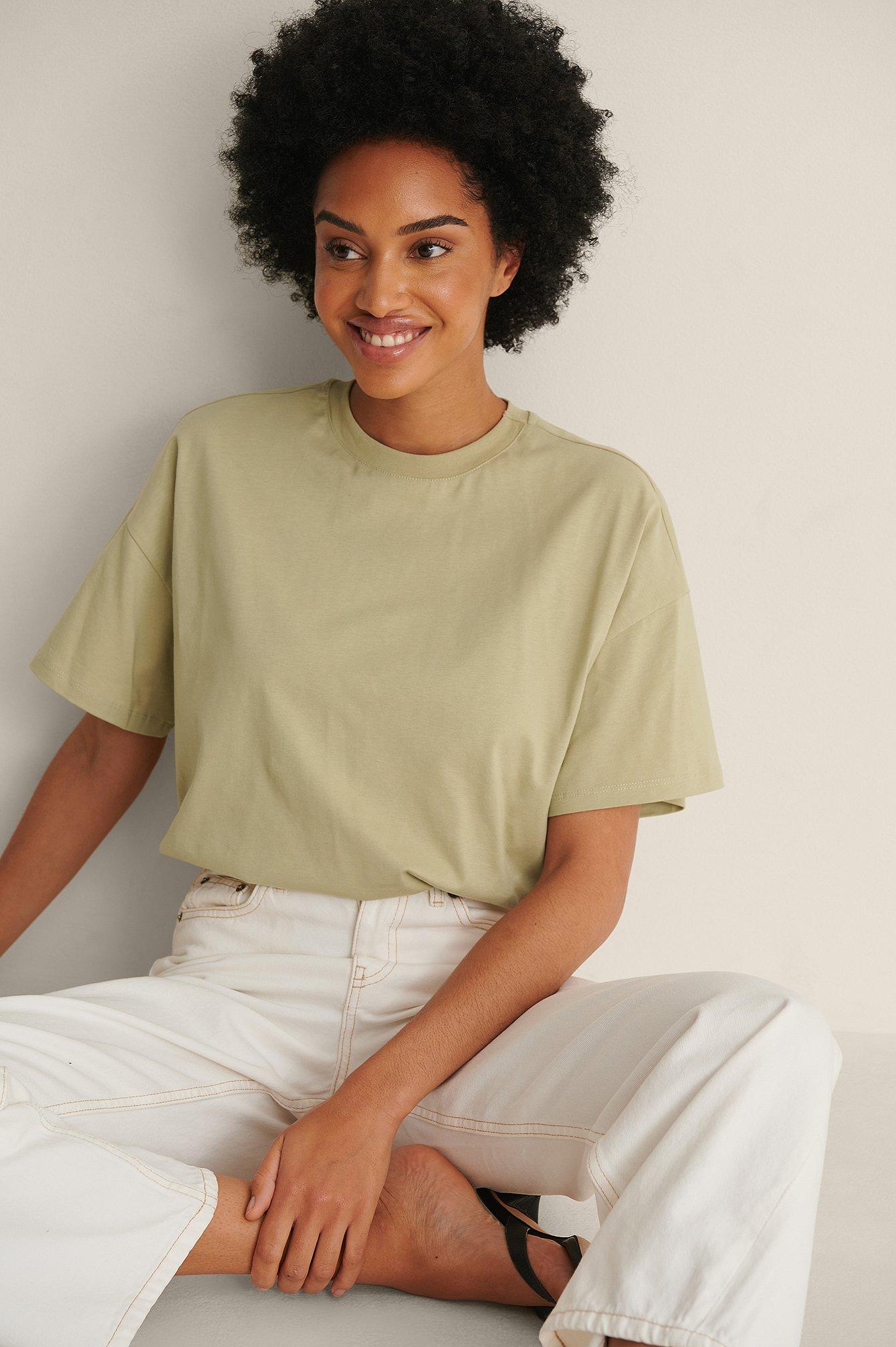 NA-KD Basic Økologisk oversize t-shirt med 3/4 ærmer - Green