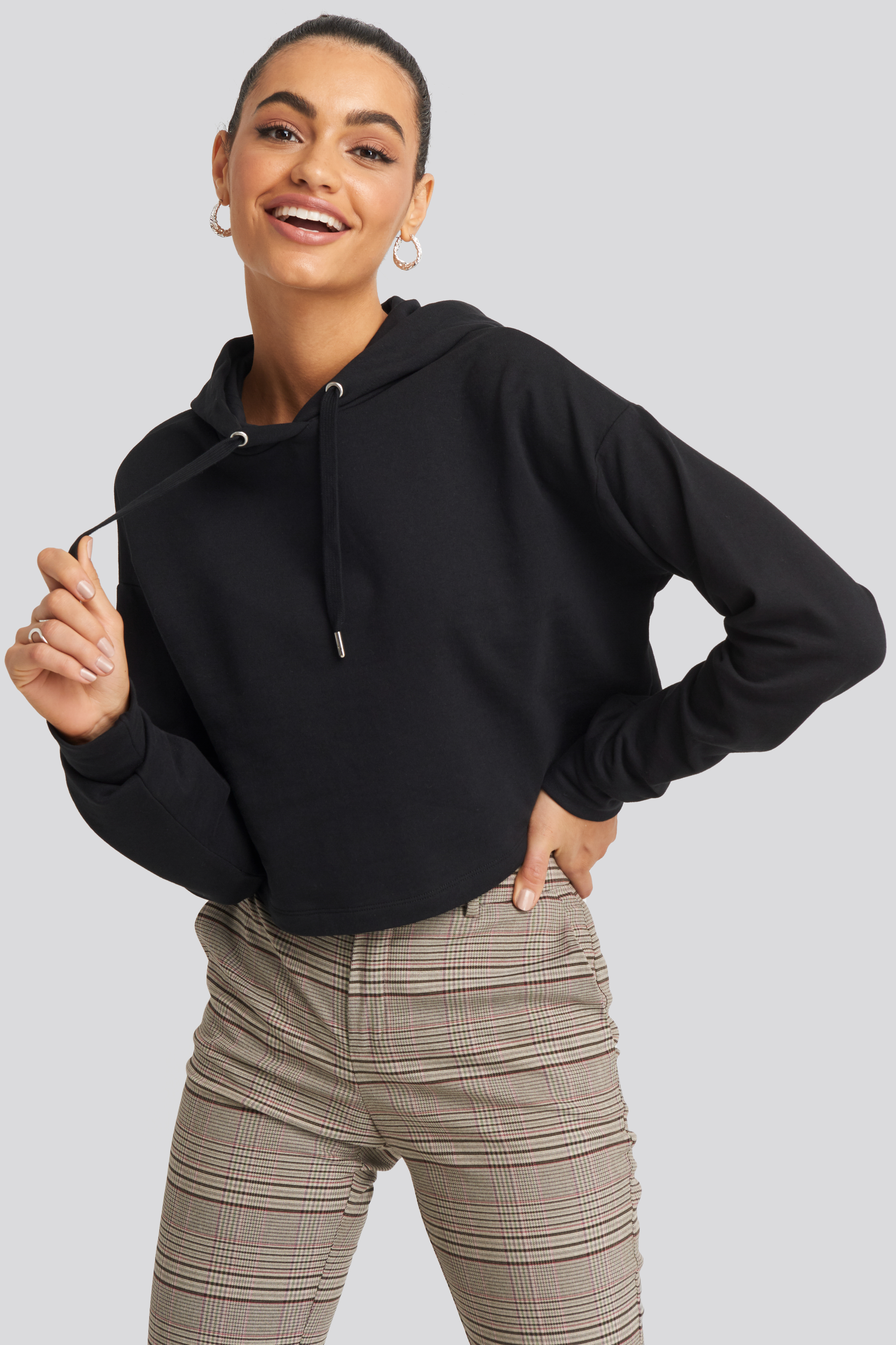na-kd -  Oversized Cropped Hoodie - Black