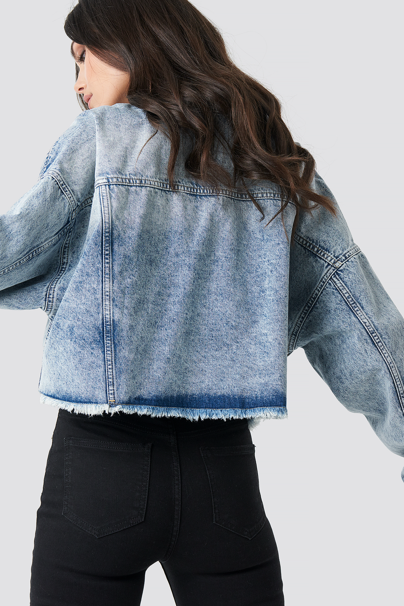 Oversized Cropped Raw Hem Denim Jacket NA-KD.COM
