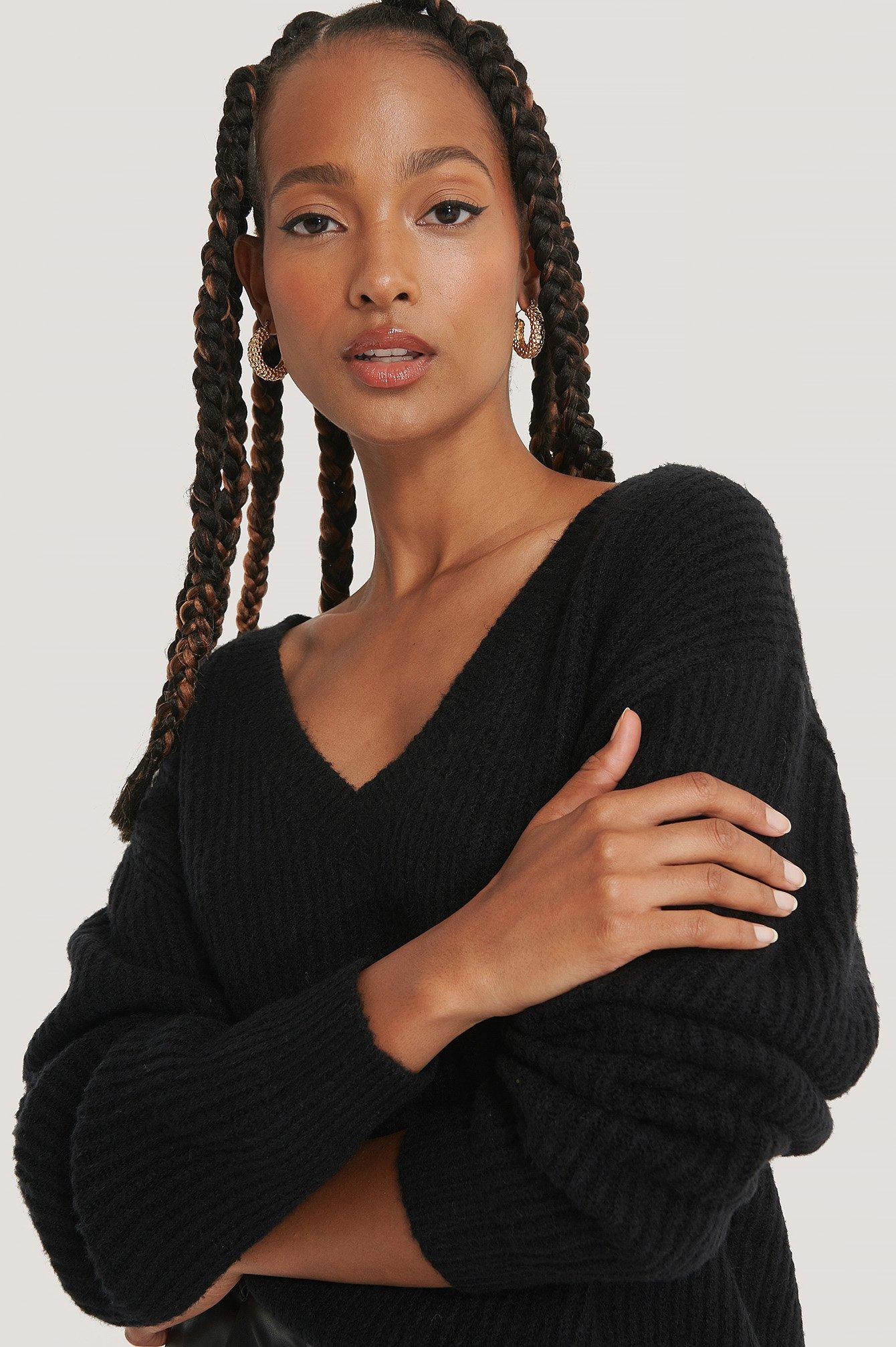 na-kd trend -  Oversize-Pullover Mit V-Ausschnitt - Black