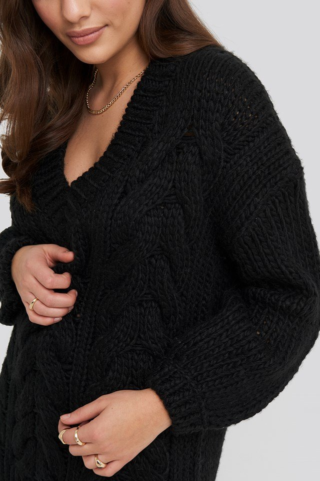 Wool Blend V-Neck Heavy Knitted Cable Sweater Black