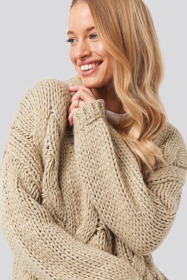 Wool Blend V-Neck Heavy Knitted Cable Sweater Beige