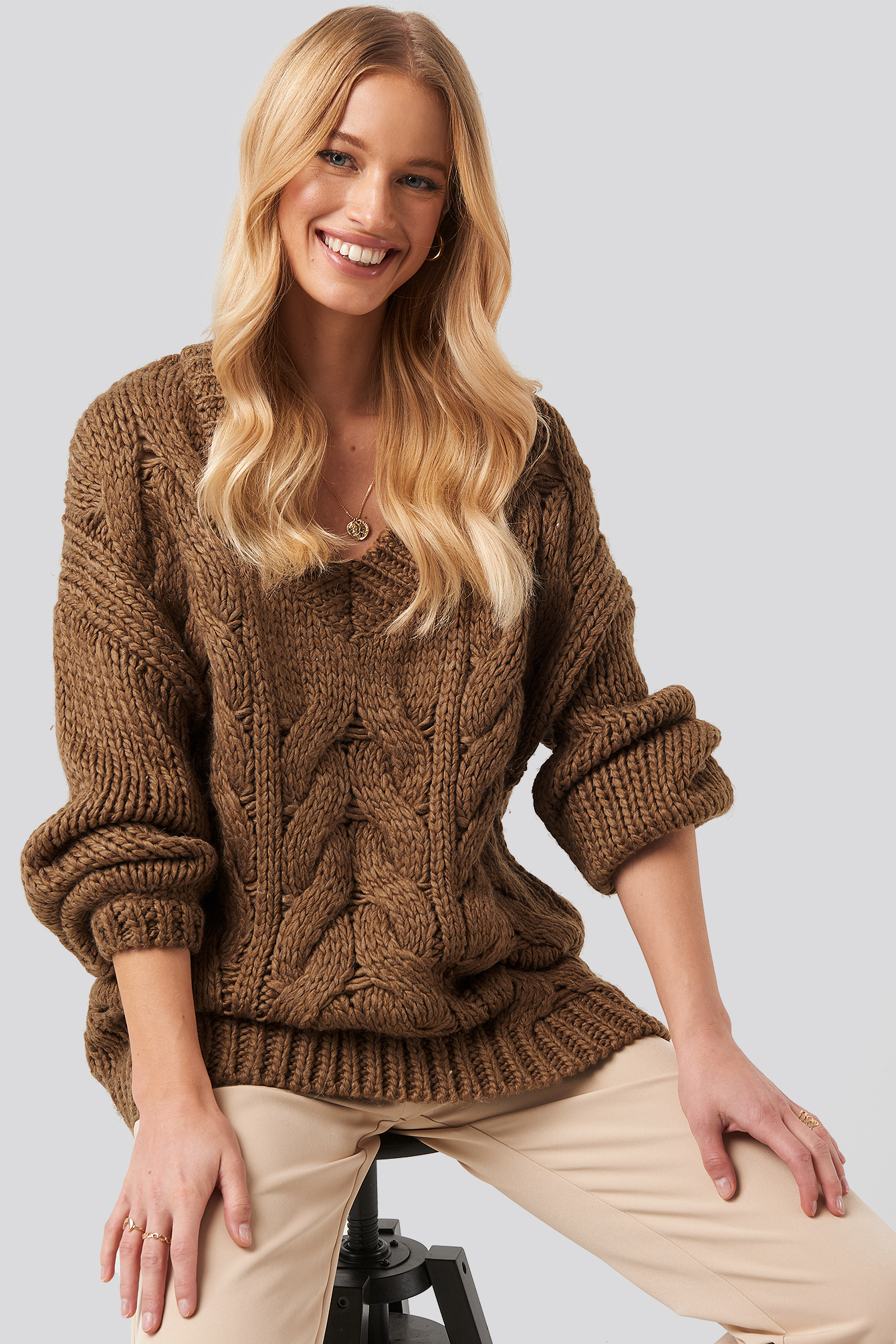 NA-KD Trend Wool Blend V-Neck Heavy Knitted Cable Sweater - Brown | Bekleidung > Sweatshirts & -jacken > Sweatshirts | NA-KD Trend