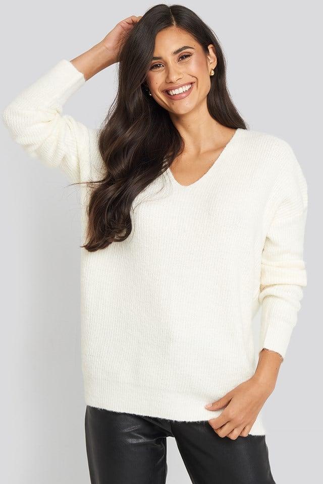 Oversized V Neck Knitted Sweater Offwhite