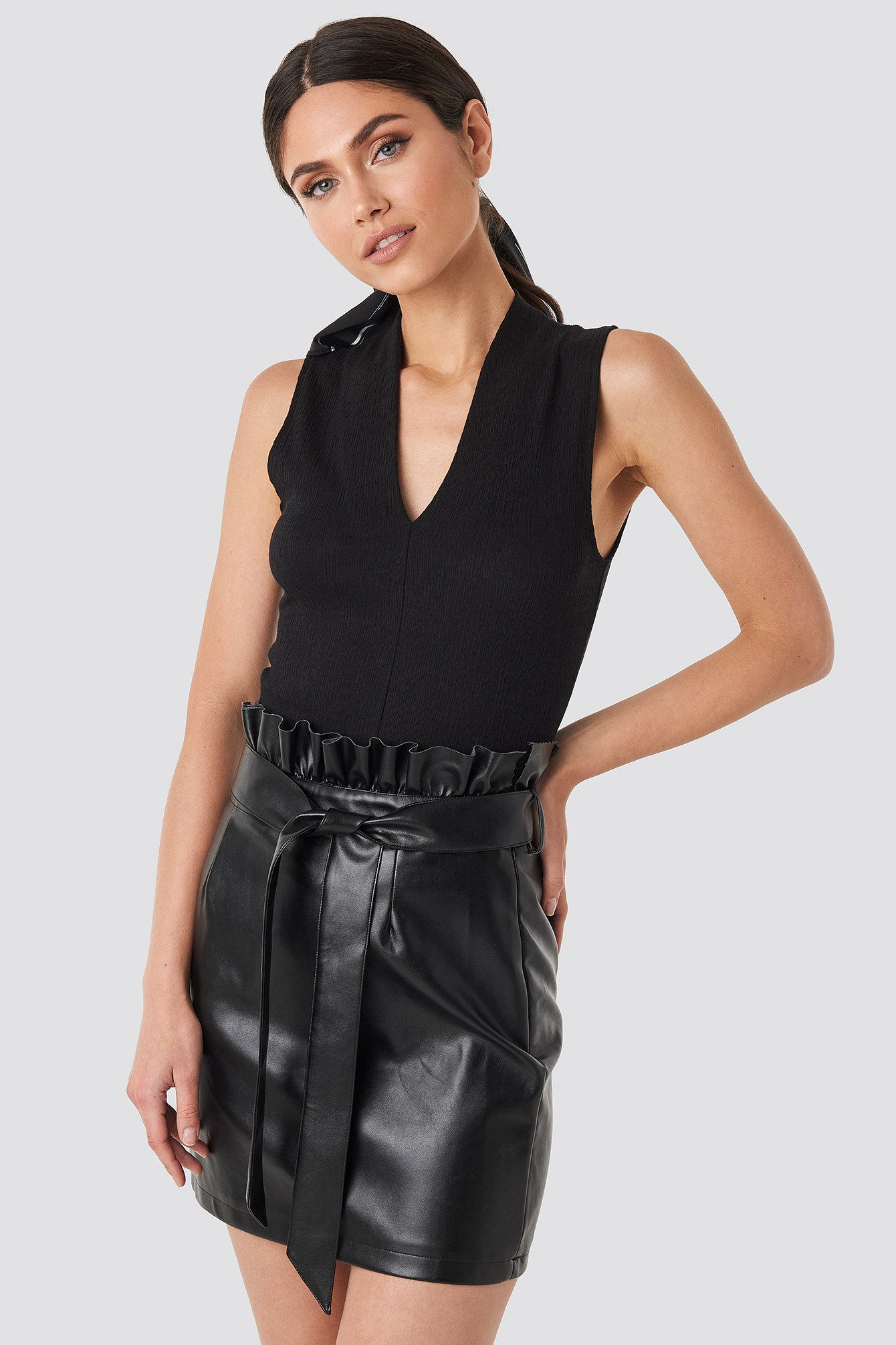 na-kd party -  Paper Tied Waist PU Skirt - Black