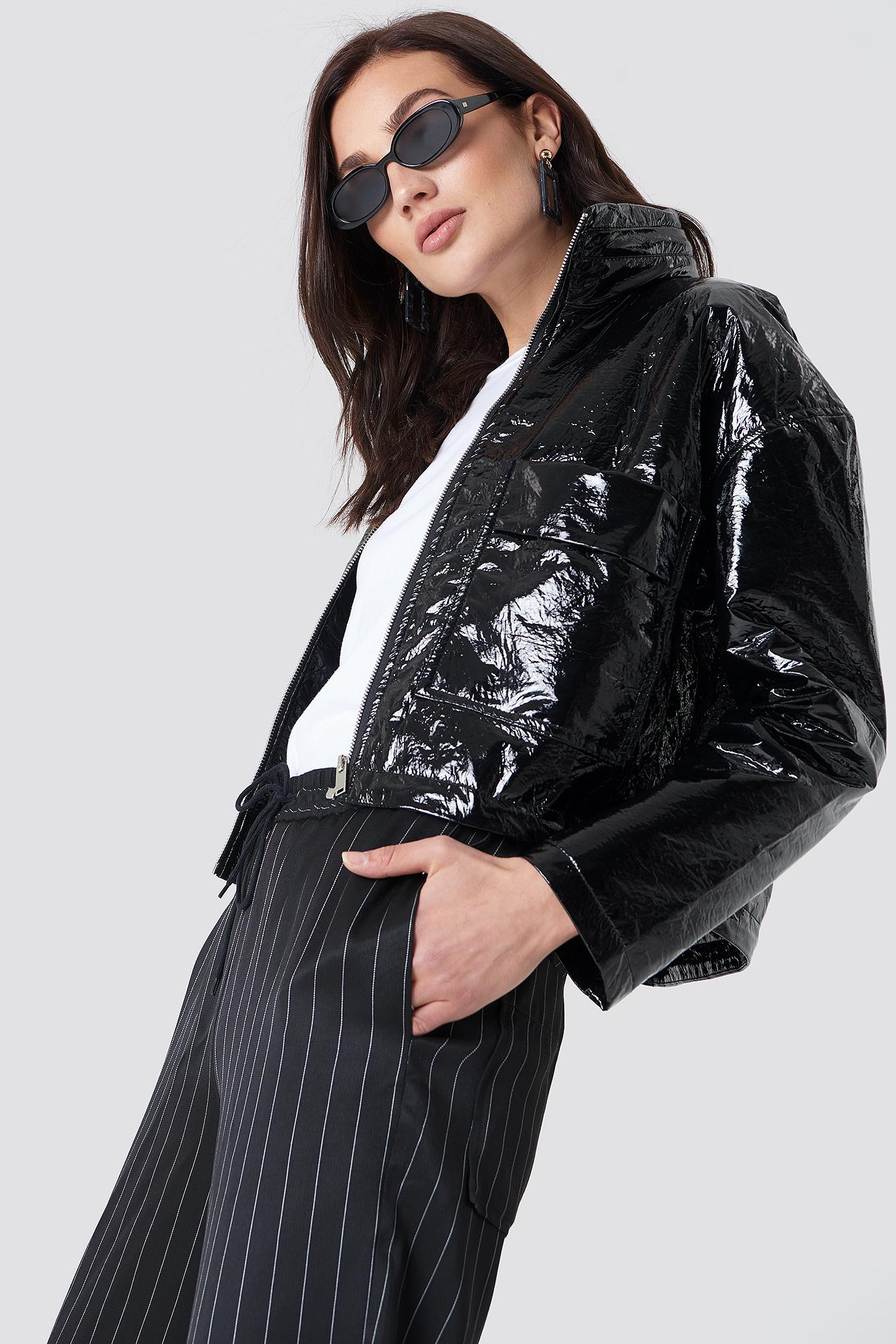 na-kd trend -  Patent Short Jacket - Black