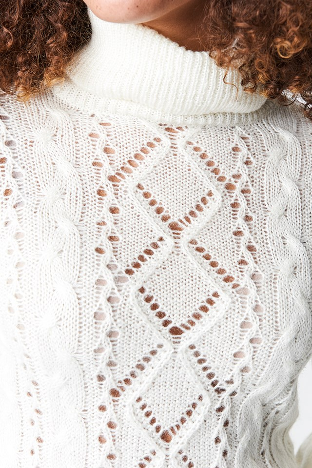 Pattern Knitted Short Sweater Offwhite