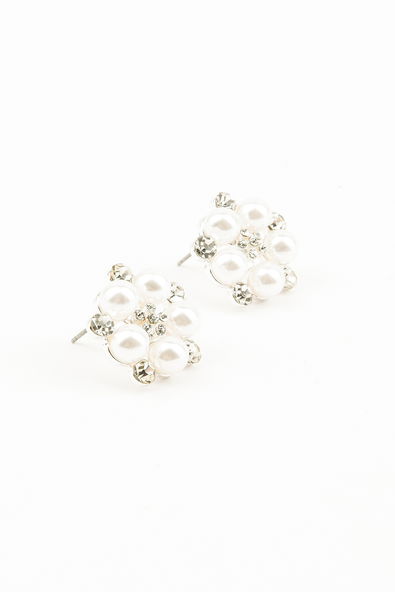 Silver Pearl Dotted Earring