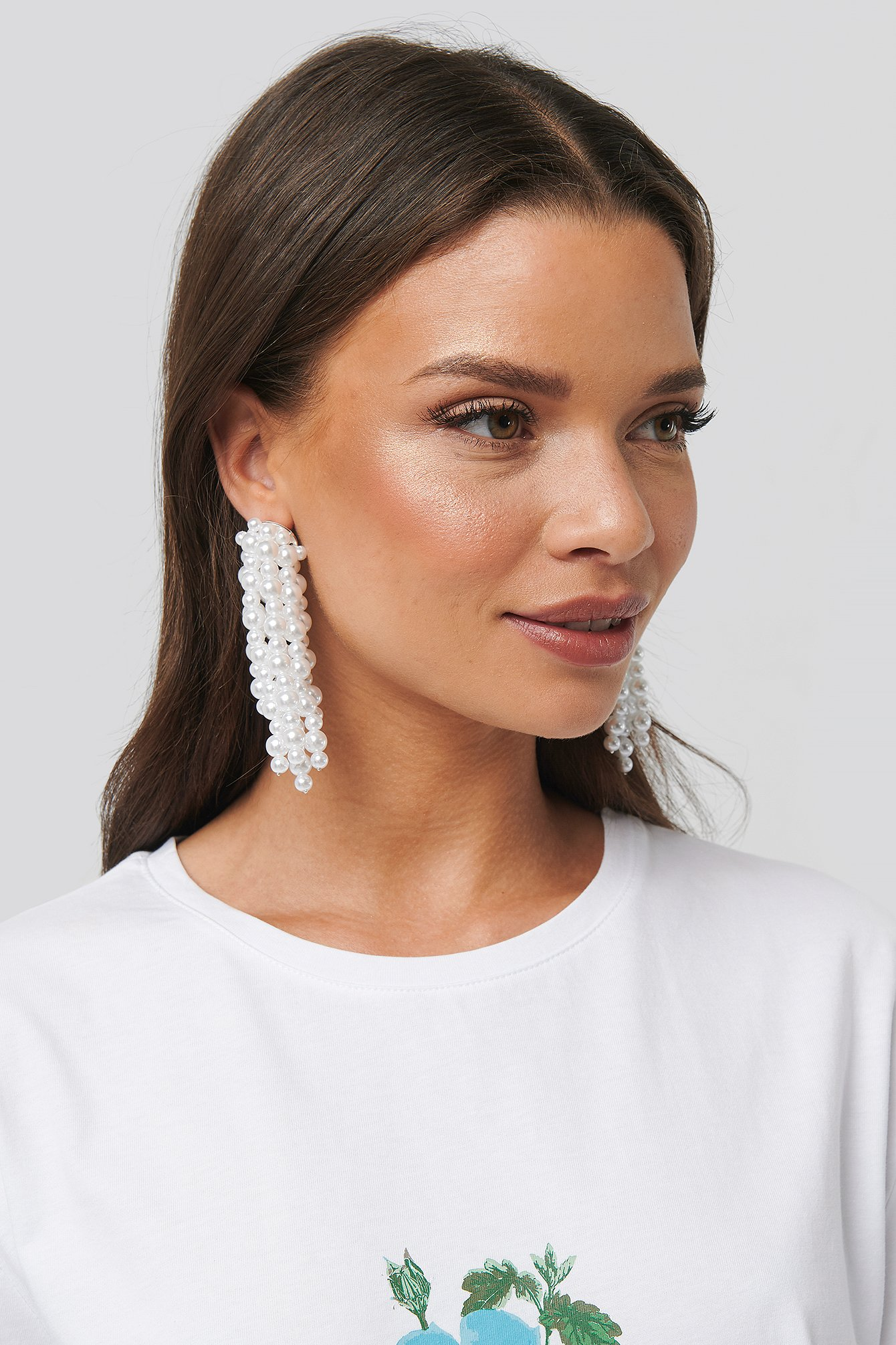 na-kd accessories -  Pearl Dropping Earrings - White