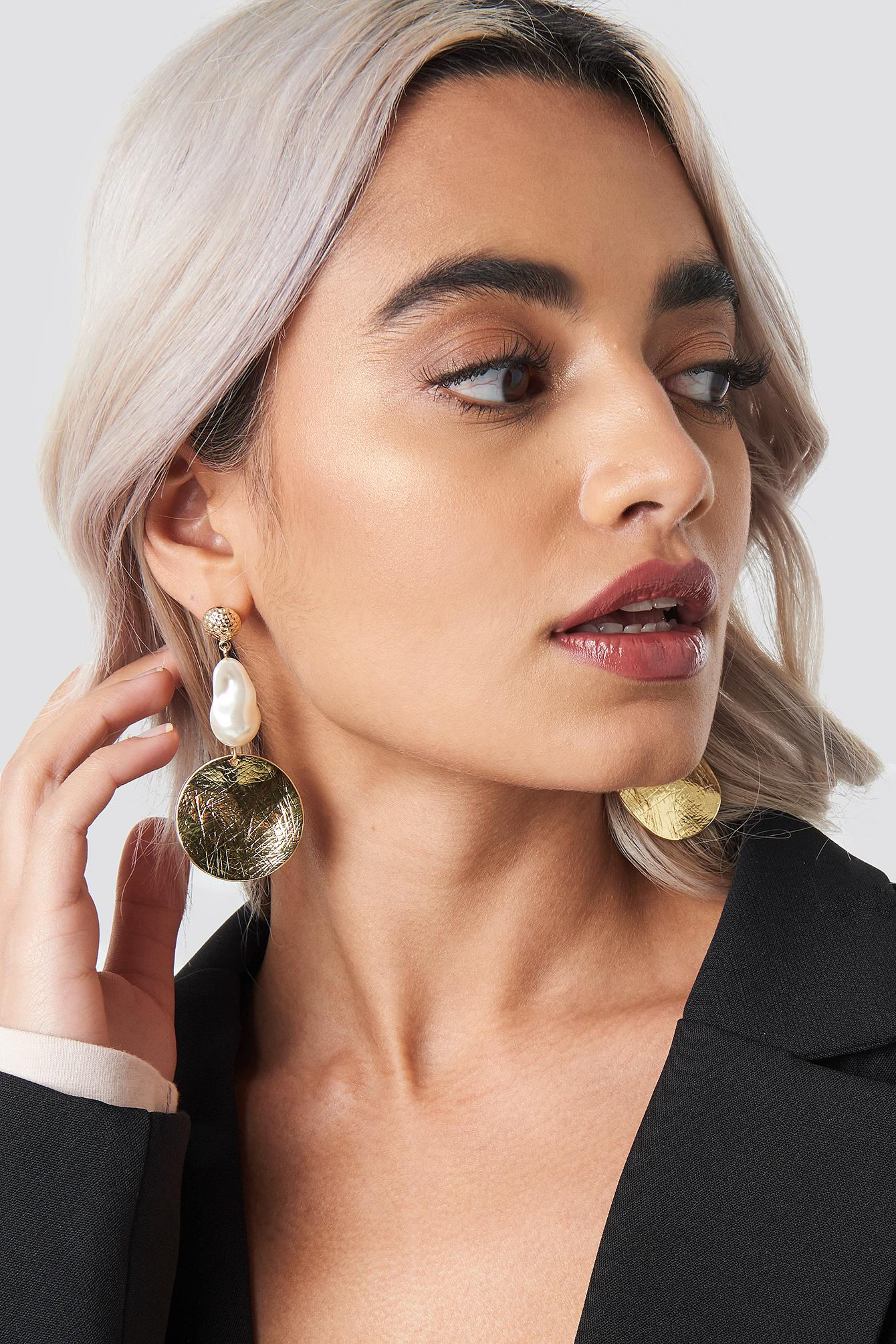 Pearl Plate Drop Earrings NA-KD.COM
