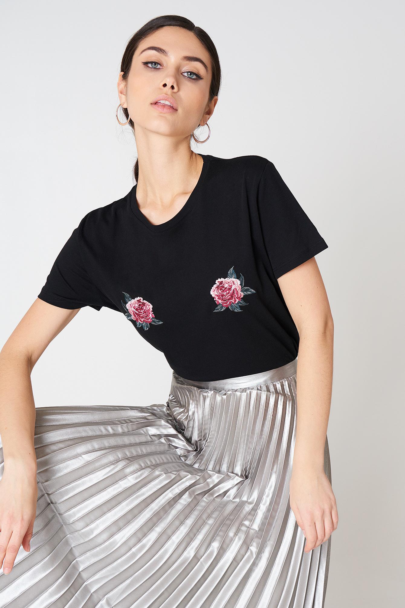 Peony Embroidery Tee NA-KD.COM