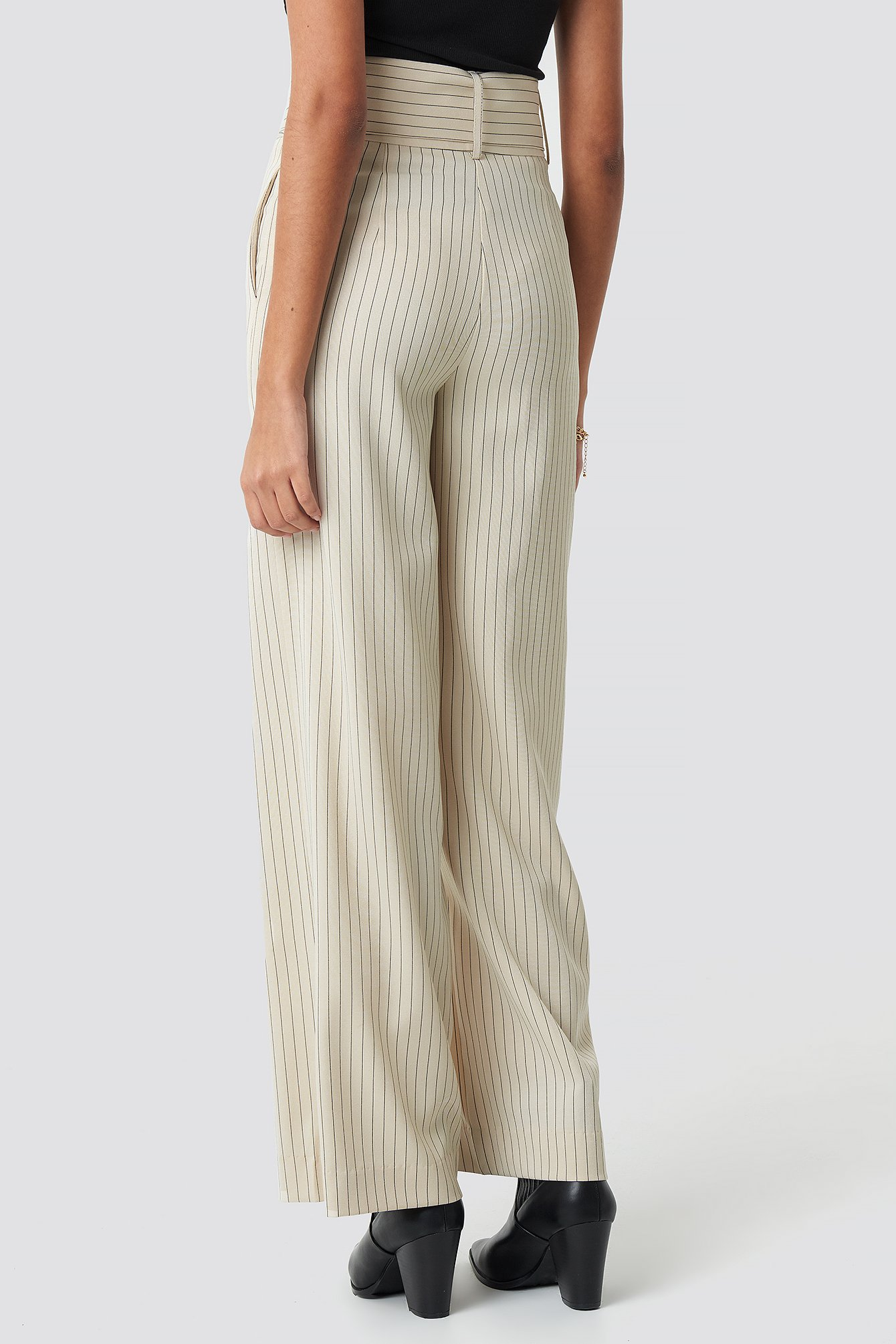 Pinstriped Wide Belted Pants NA-KD.COM
