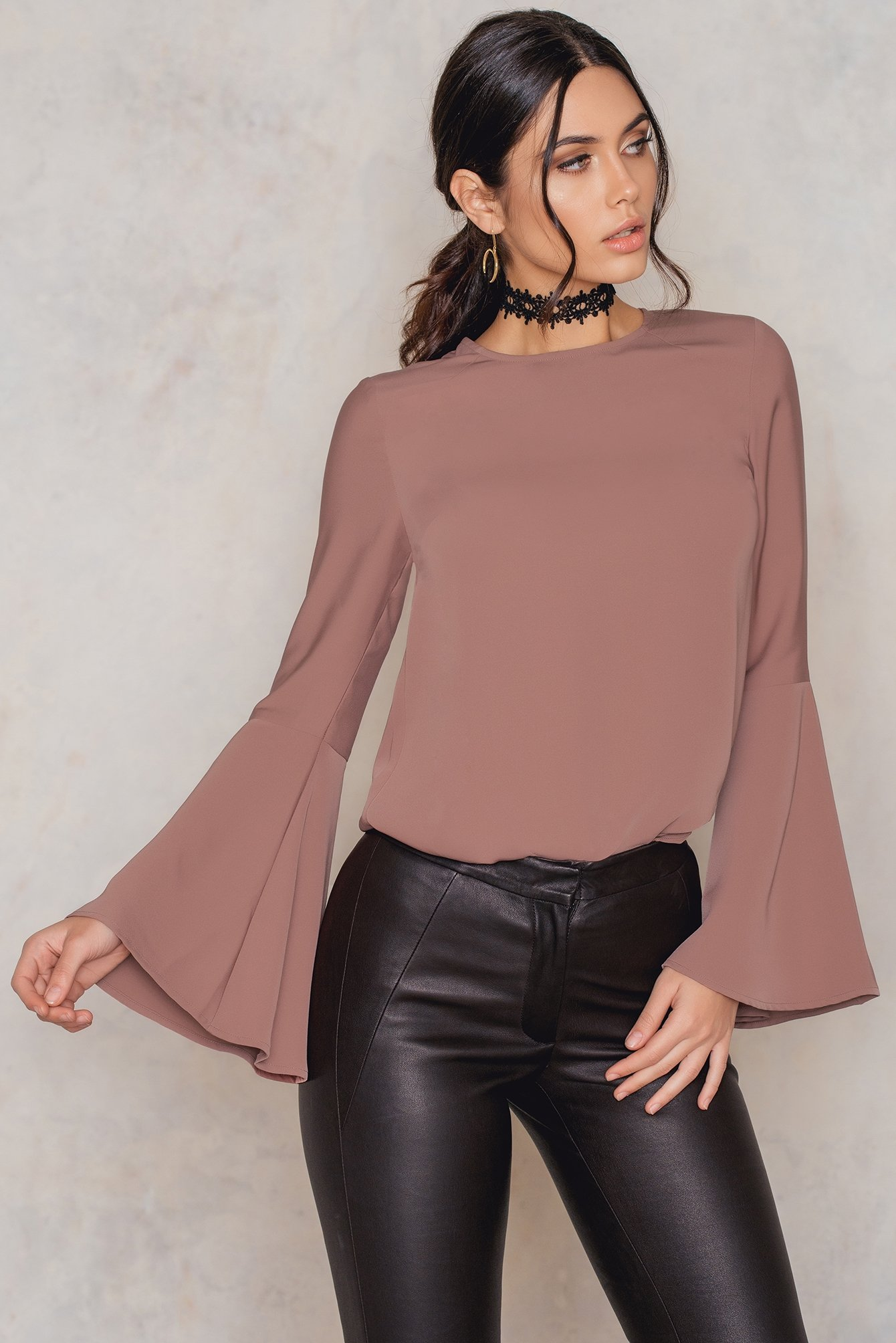 Dusty Dark Pink Plain Trumpet Sleeve Blouse