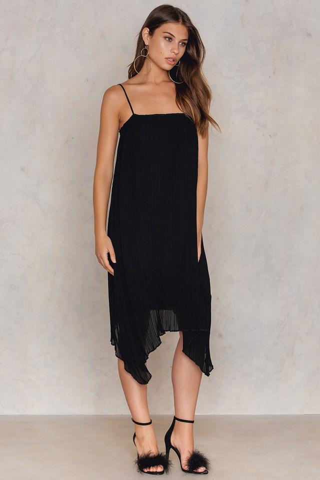 Pleated Asymmetric Hem Dress Black
