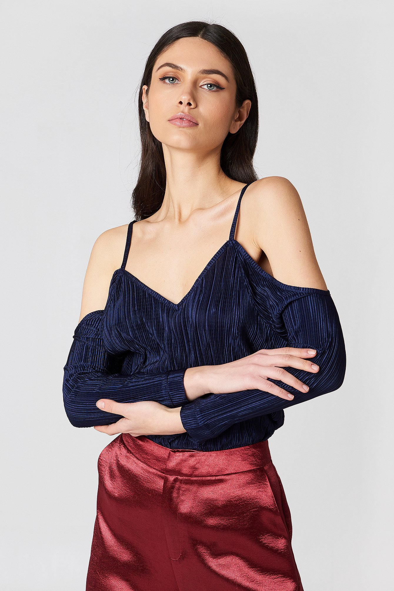 Pleated Cold Shoulder Top NA-KD.COM