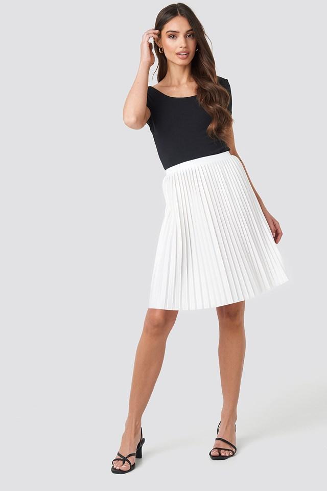 Short Pleated Skirt Offwhite