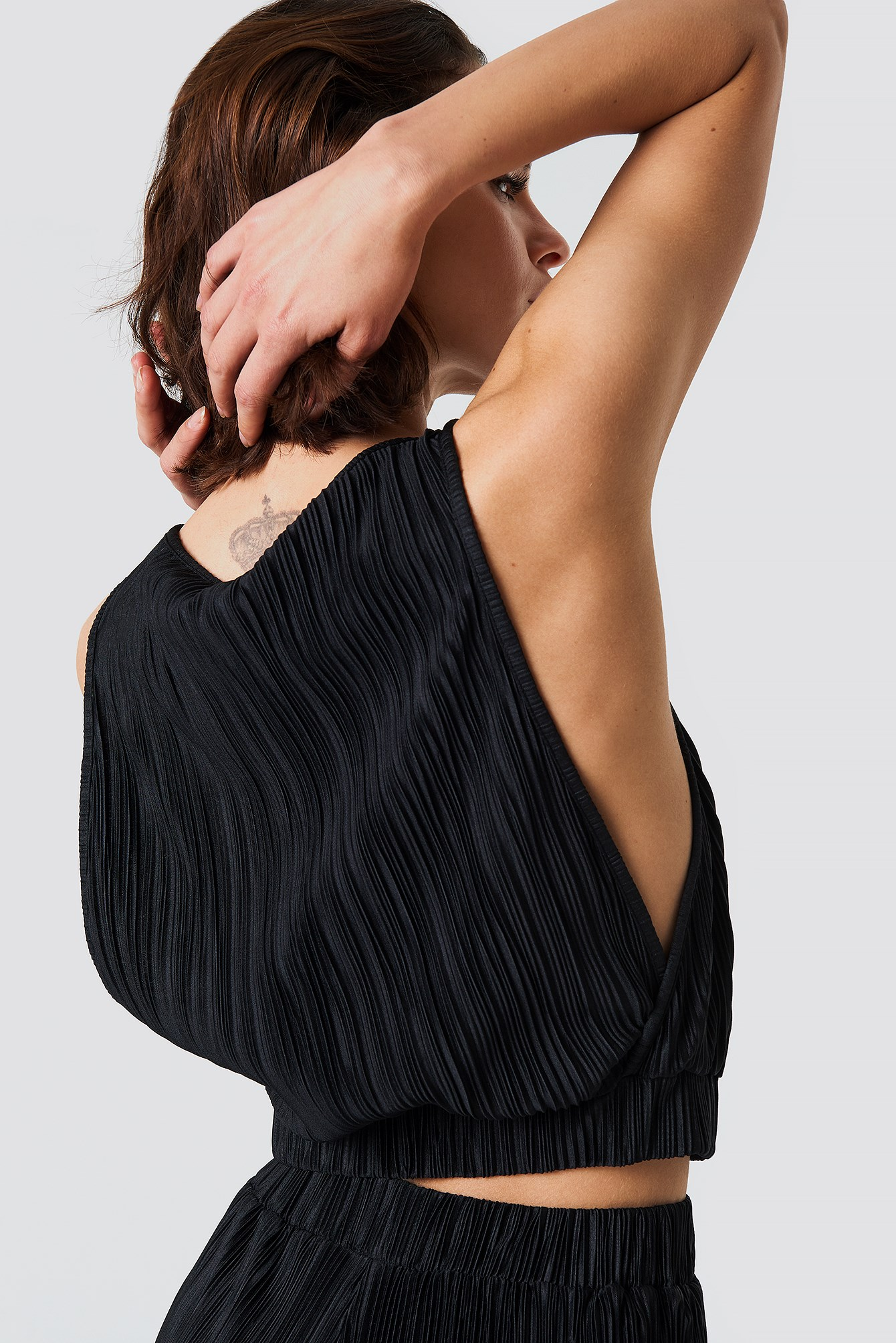 Pleated Cropped Top NA-KD.COM