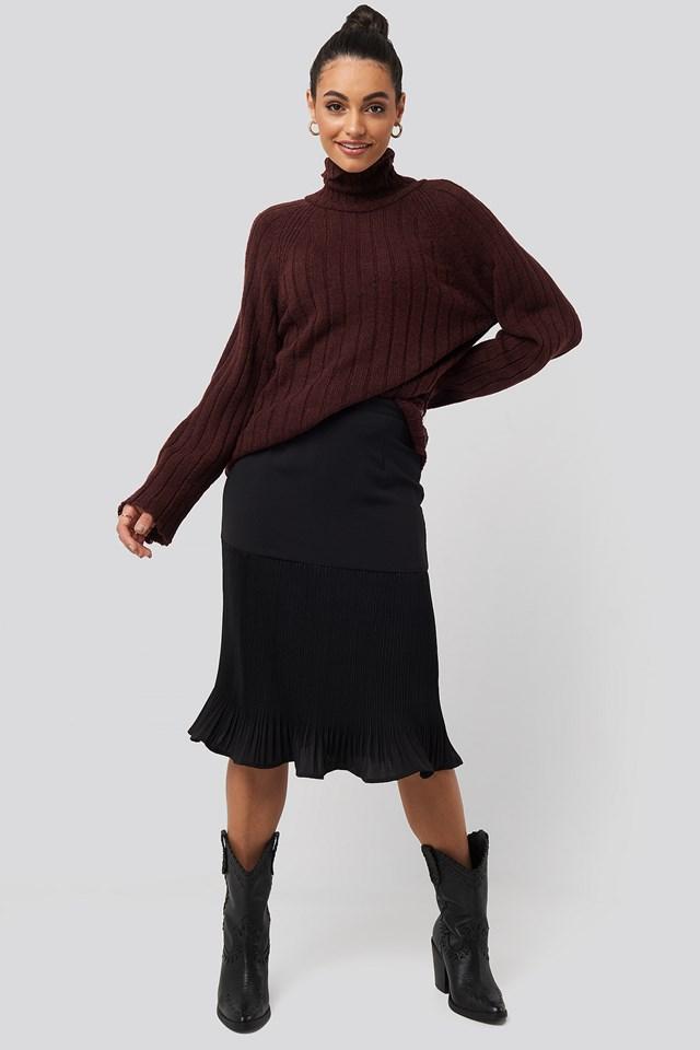 Pleated Detail Skirt Black