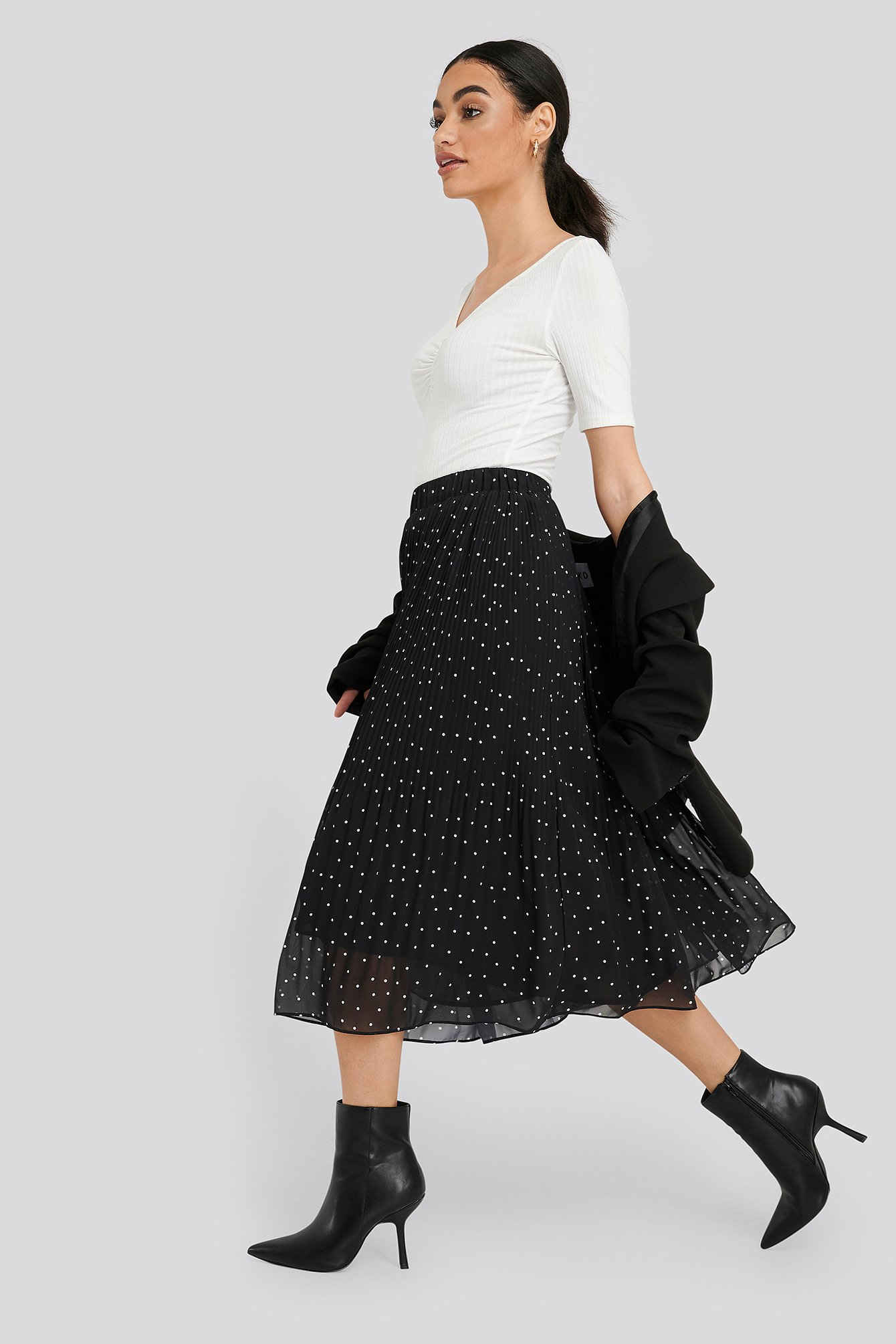 Black Pleated Dotted Skirt