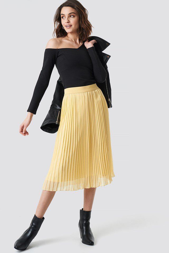 Pleated Midi Skirt Light Yellow