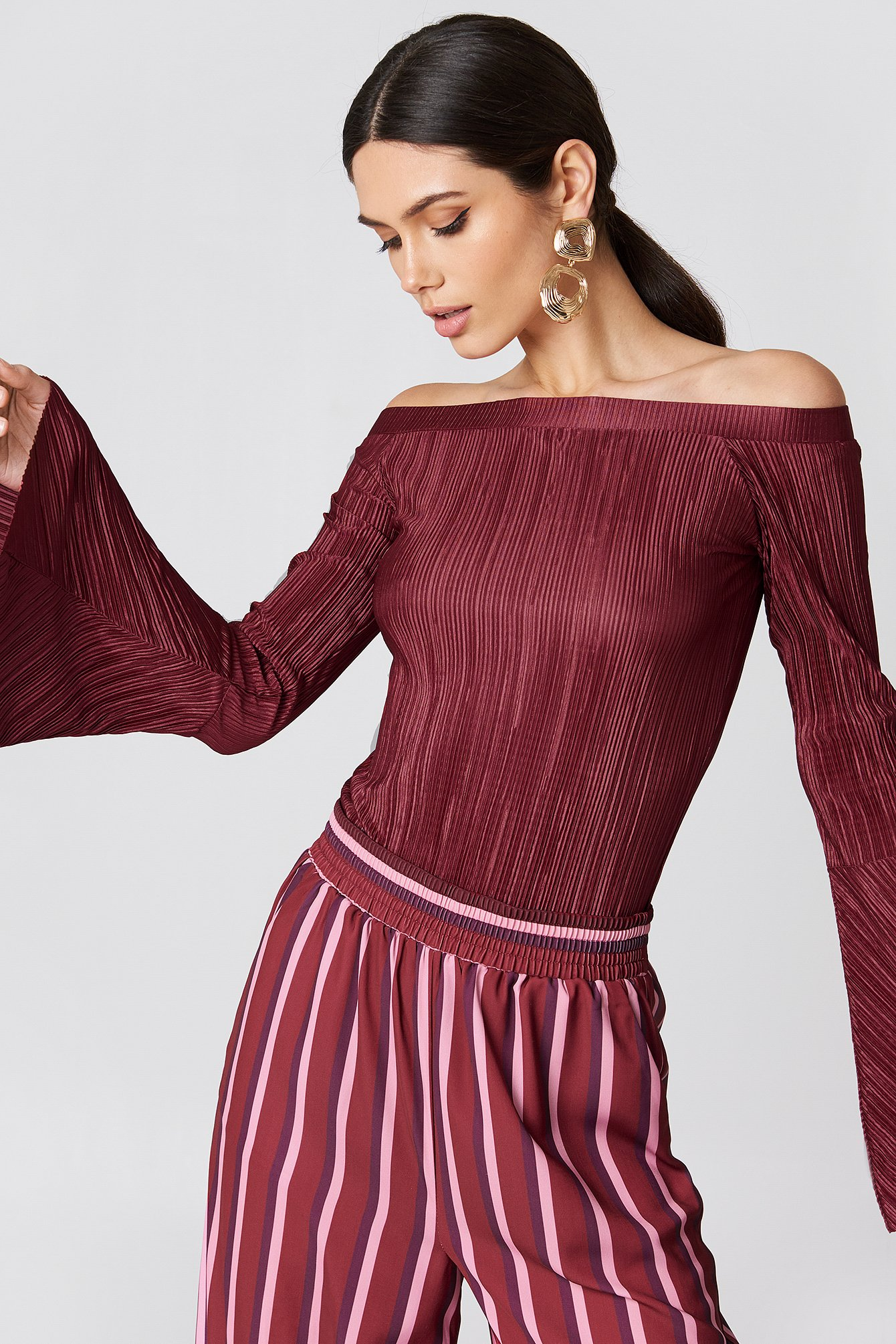 na-kd -  Pleated Off Shoulder Top - Red