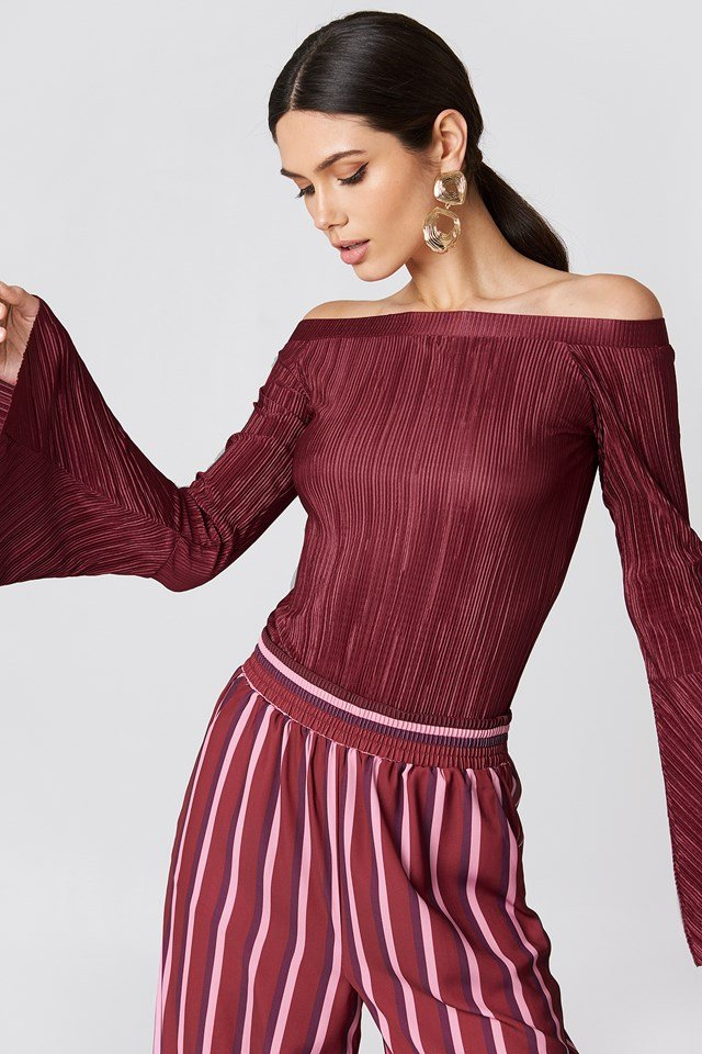Pleated Off Shoulder Top NA-KD