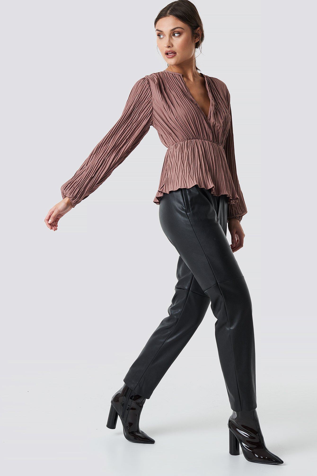 Pleated V-Neck Balloon Sleeve Top NA-KD.COM
