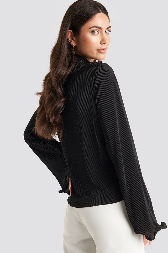 Pleated Wide Sleeve Top Black