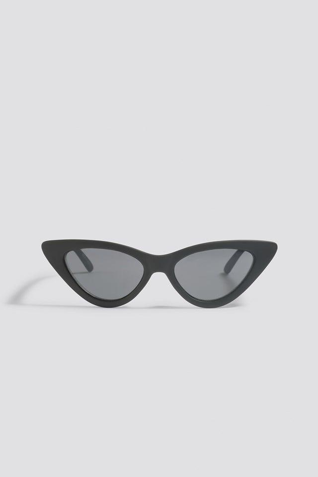 Pointy Cat Eye Sunglasses Matte Black