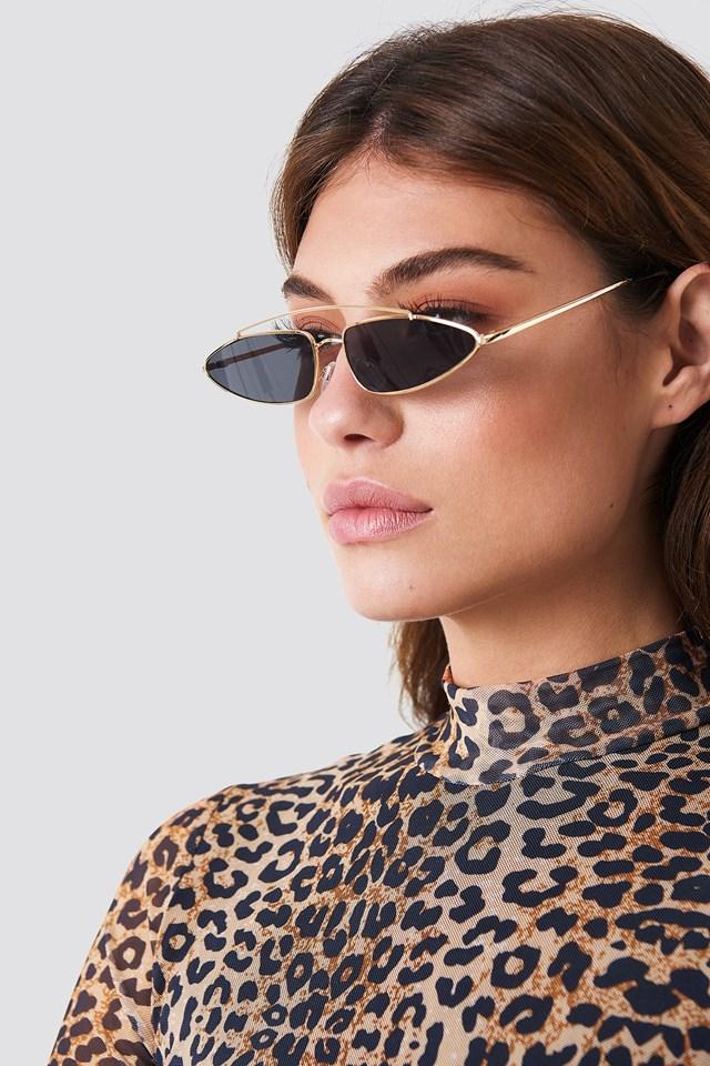 Pointy Metal Bridge Sunglasses Black