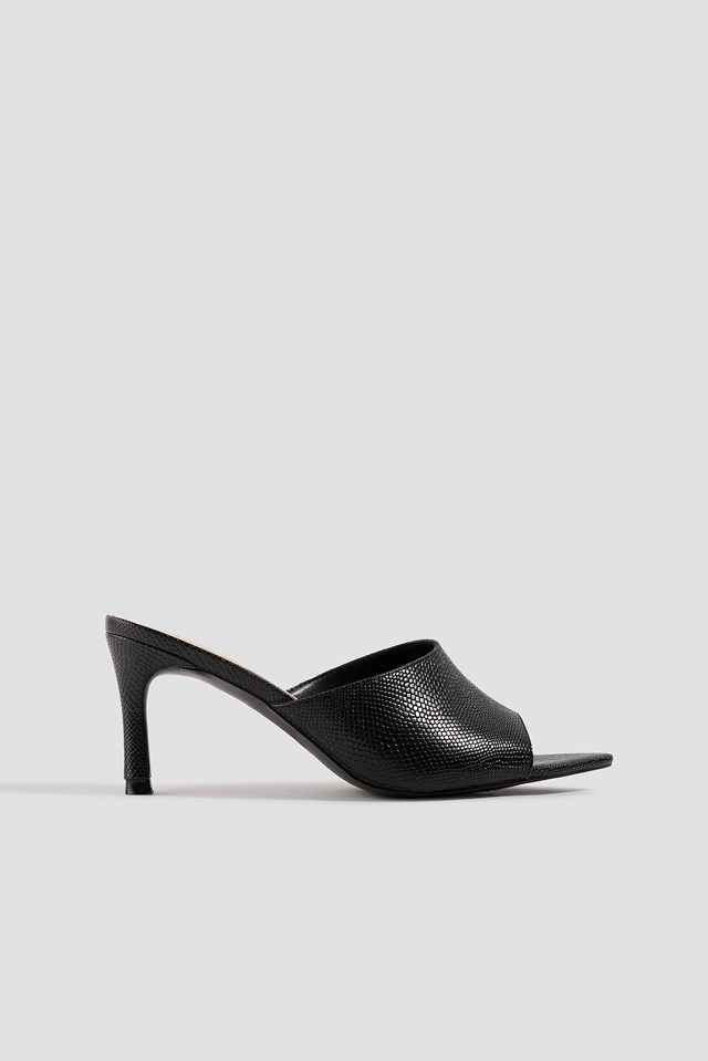 Pointy Sole Peeptoe Pumps Black