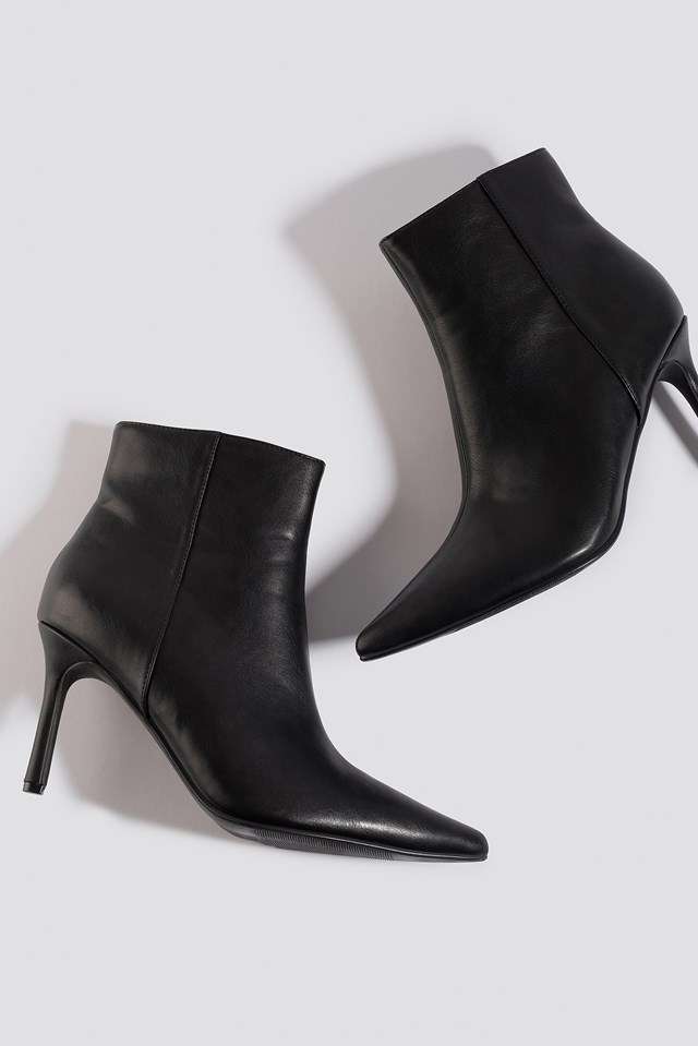 Pointy Stiletto Boots Black