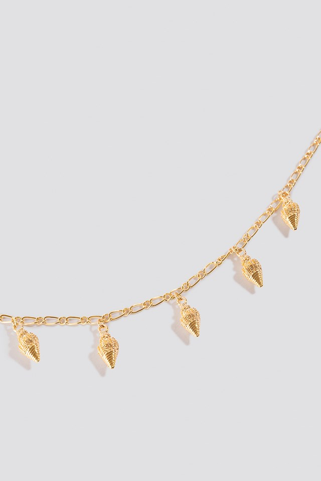 Pointy Twisted Shells Necklace Gold