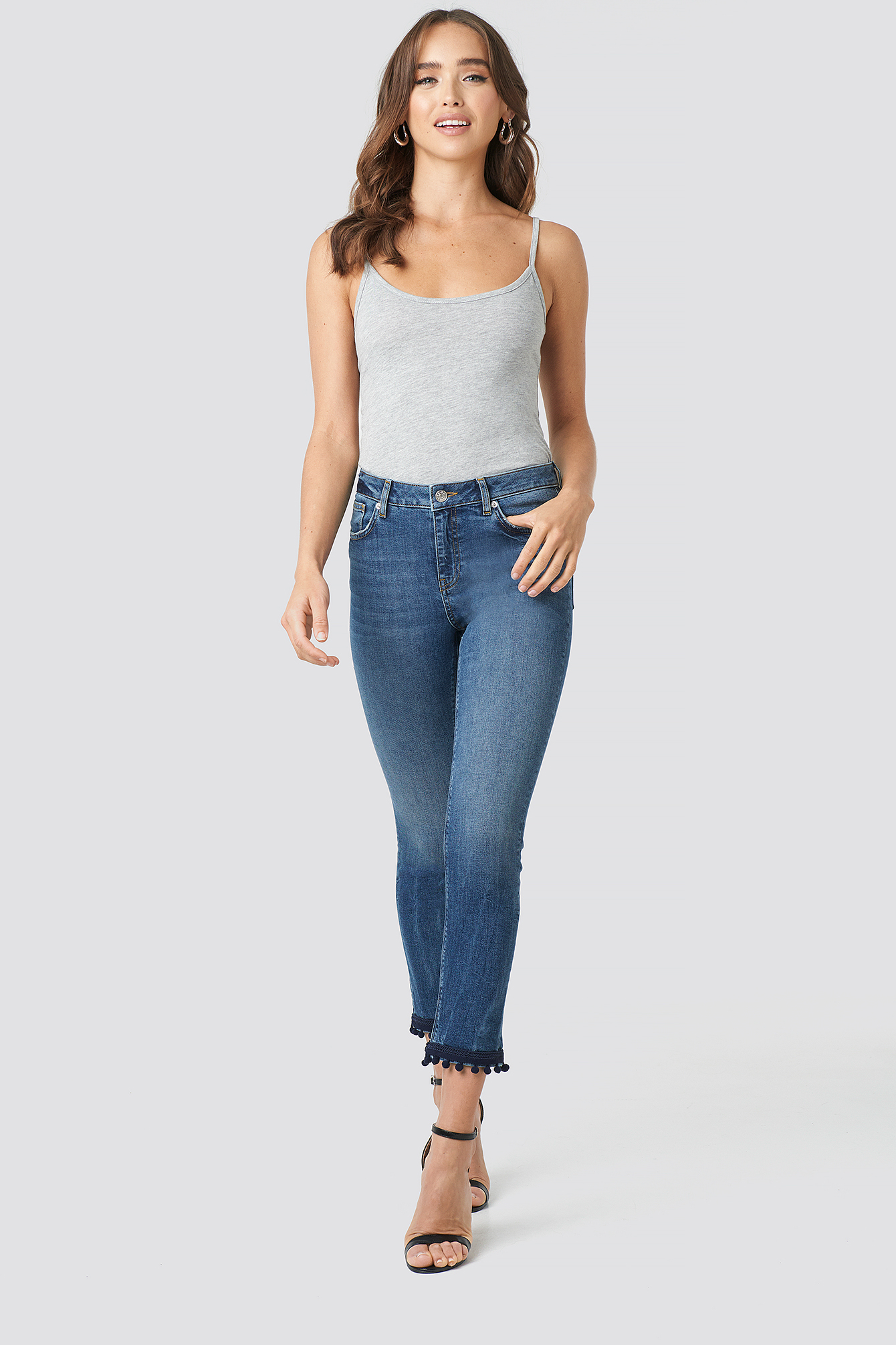 Pom Pom Trim Skinny Jeans NA-KD.COM