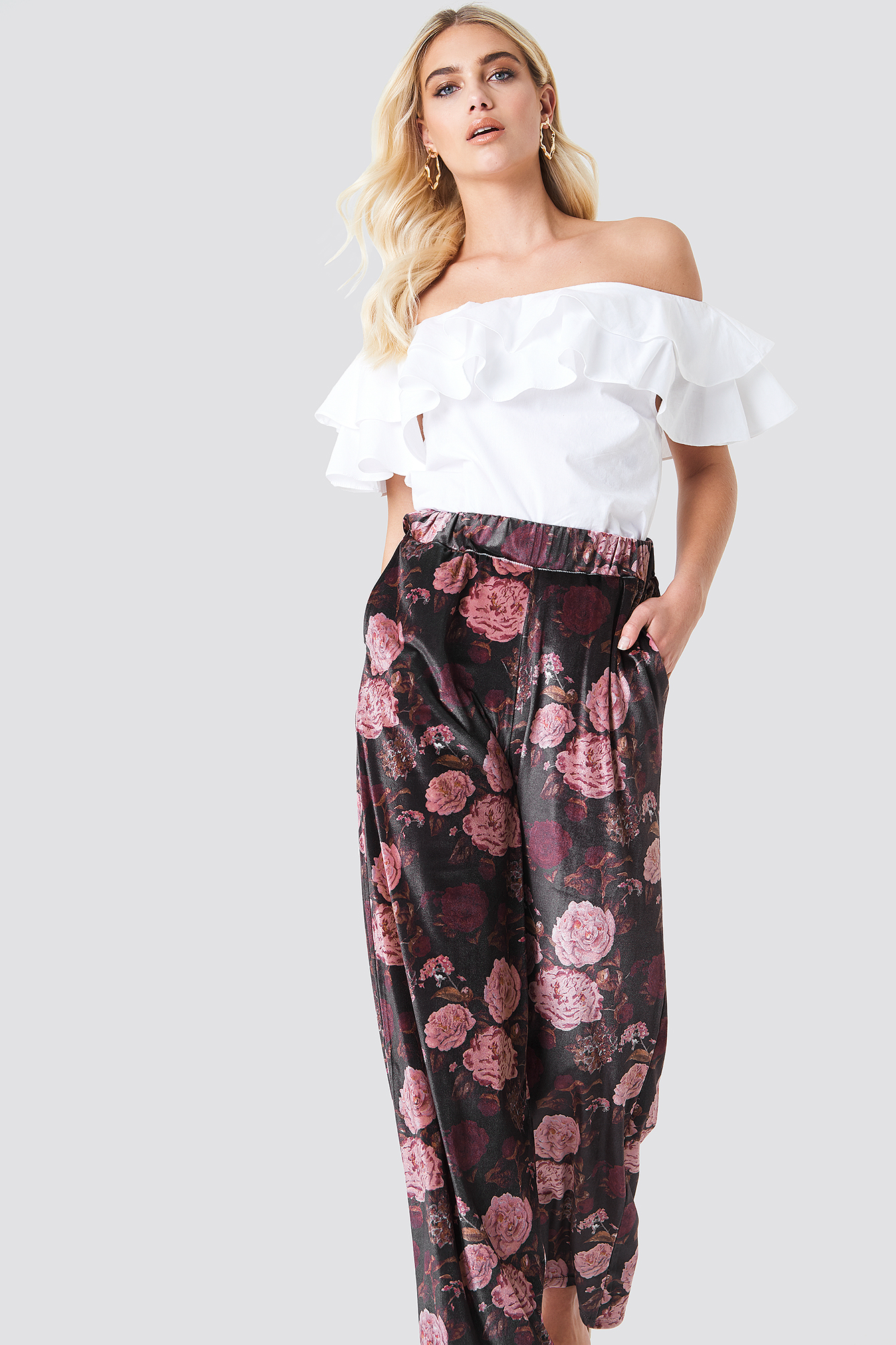 Printed Velvet Flared Pants NA-KD.COM