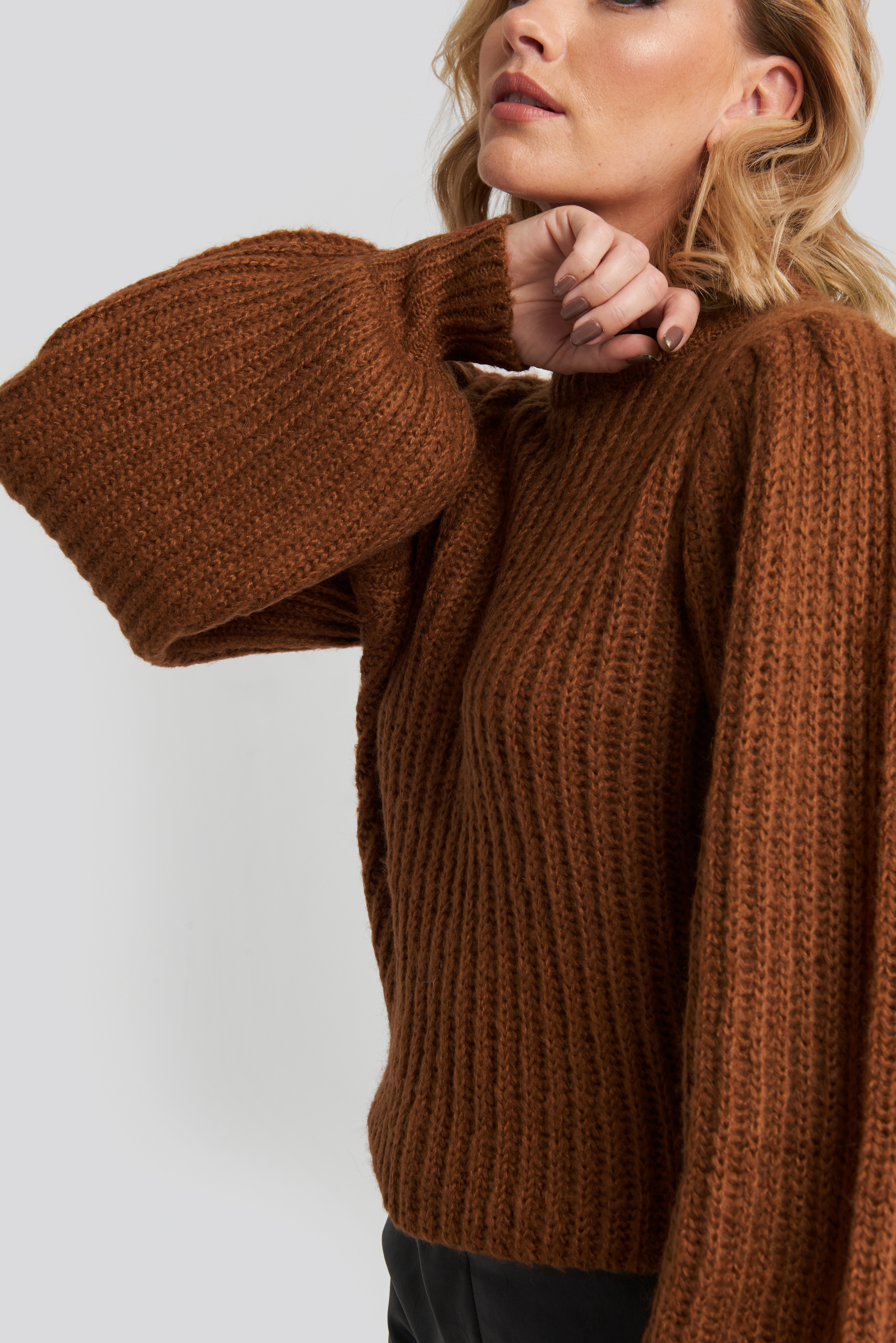 na-kd -  Puff Sleeve Knitted Sweater - Brown